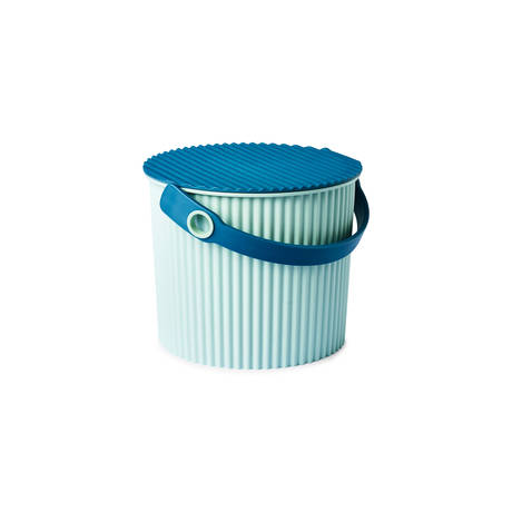 Bucket in blue