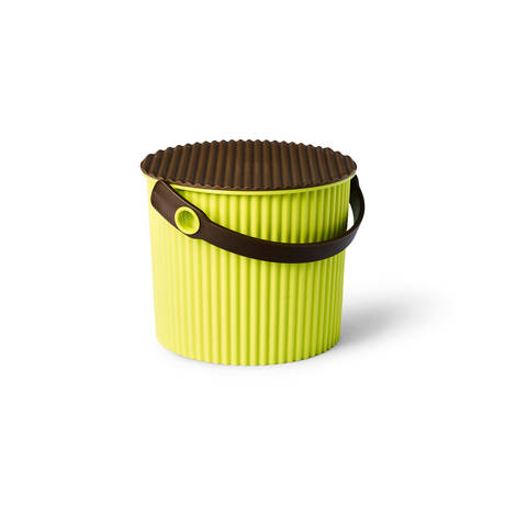 Bucket in green